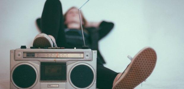 """מוזיקאיות ומוזיקאים - אתם מציפים אותנו במוזיקה חדשה, וזו ברכה גדולה. אנחנו עורכים ומשמיעים ממיטב המוזיקה שאתם ואתן שולחים ושולחות אלינו לתחנה, ב-inDbox, האינבוקס המשודר של הקצה.  רוצים לשלוח לנו מוסיקה מקורית? מעולה! <a href=""""https://www.kzradio.net/contact"""">כל הפרטים כאן</a>  Photo by Eric Nopanen on Unsplash"""